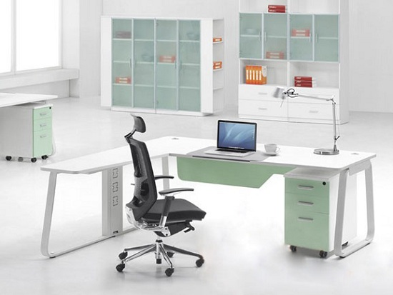 Thiết kế phòng làm việc với những gam màu trắng sang trọng