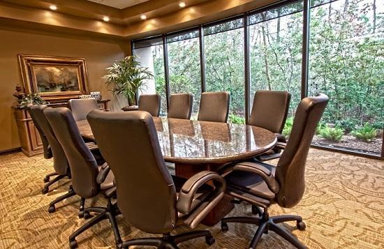 Những mẫu bàn họp văn phòng Oval tuyệt đẹp